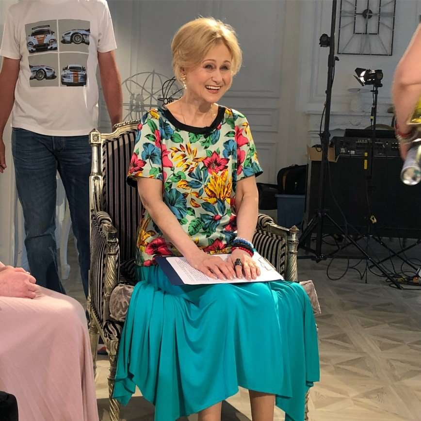 Дарья Донцова объяснила отказ от вычурного макияжа и фотошопа