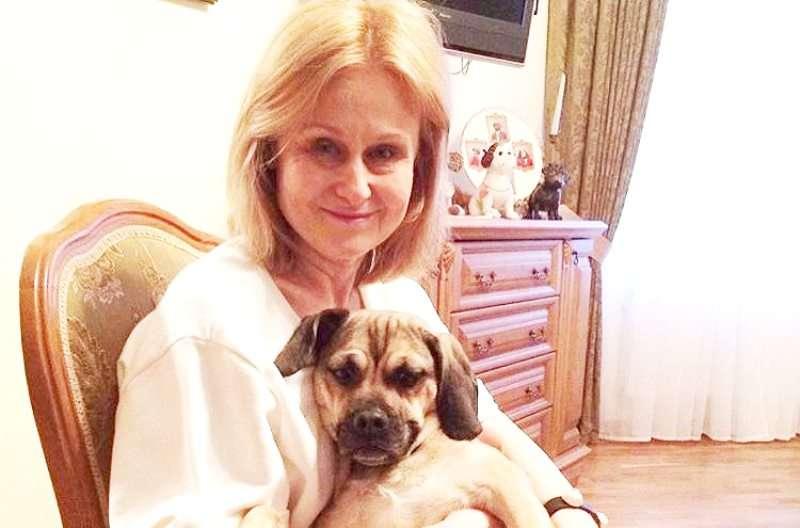 «На онкологии мама пиар не делает»: Дарья Донцова ответила на критику от имени своей собаки
