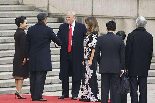 Мелания Трамп своим платьем проявила уважение к жителям Китая