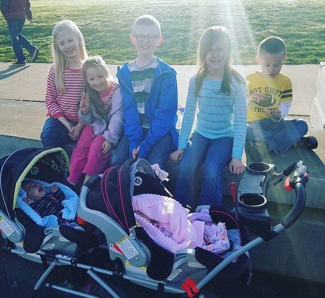 Жительница Сиэтла родила три пары двойняшек без ЭКО